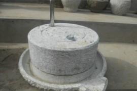 世界最早的石磨 距今巳2000多年 由鲁班发明